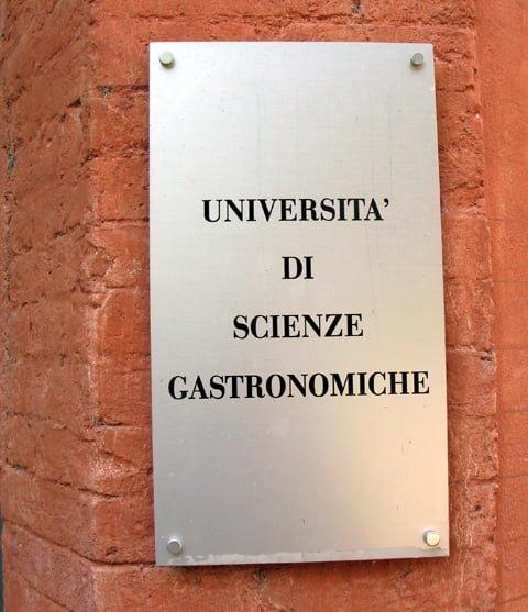 Skiltet til universitetet