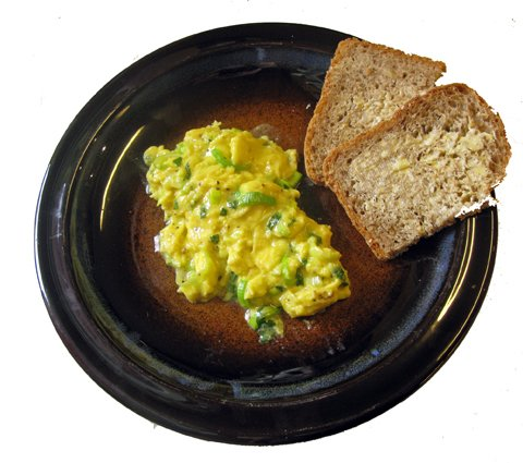 Eggerøre med sitronm og purre