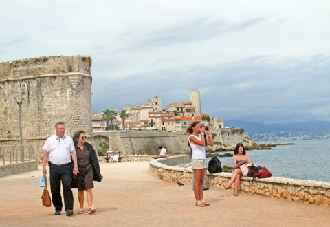 Antibes langs stranden