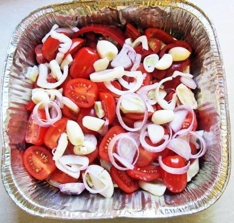 Grillet makrell, grønnsakene