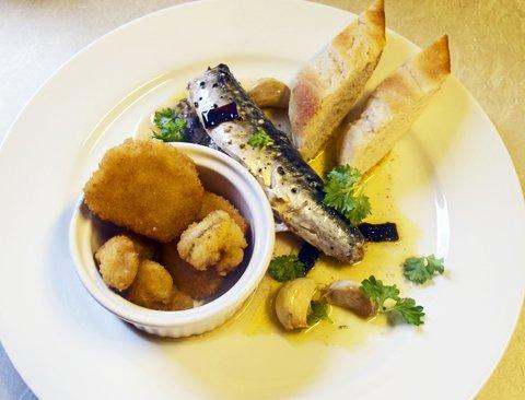 Makrell og breaded scampi