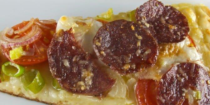 Pizza med gåsesalami